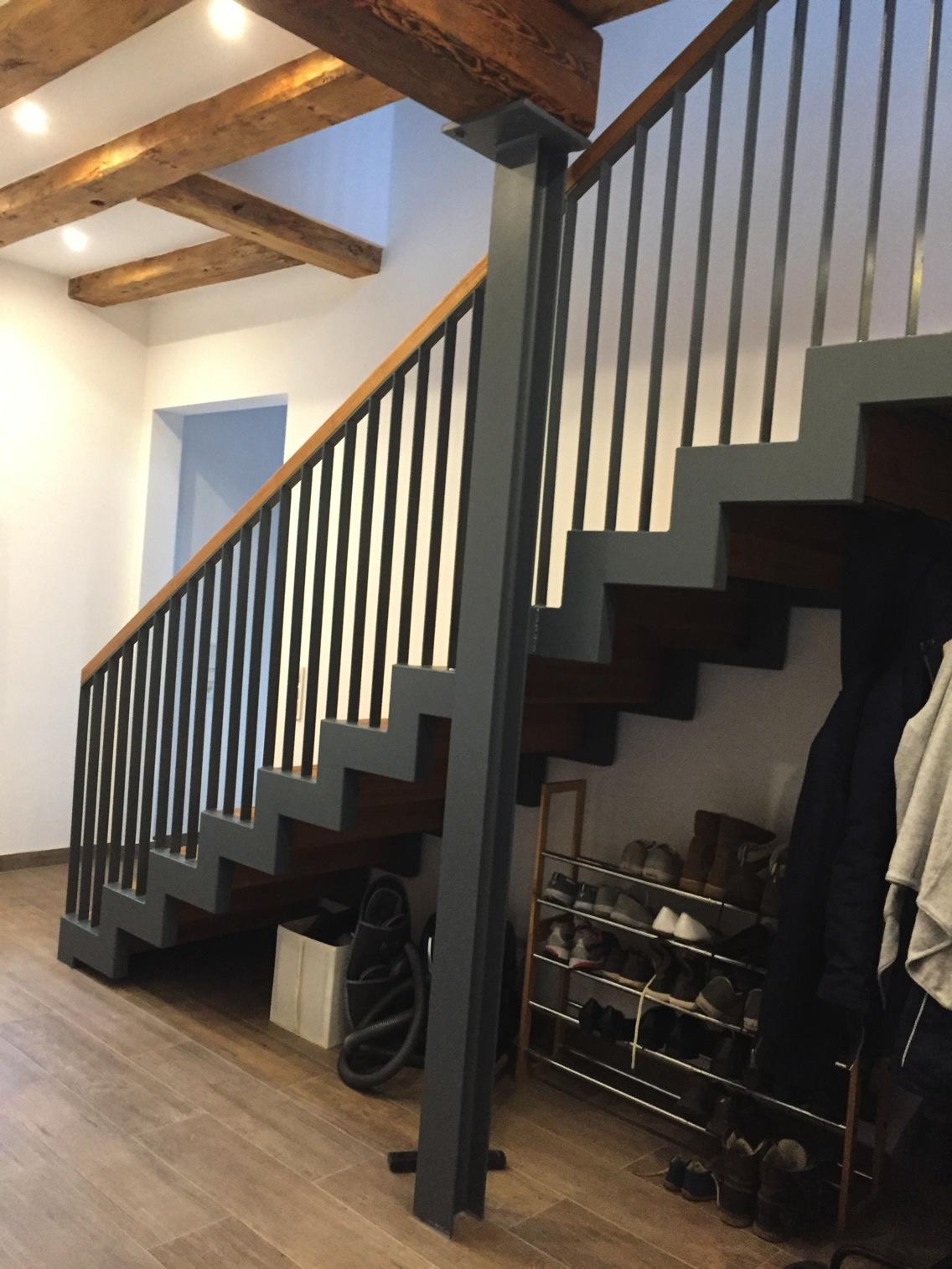 treppen aus metall f r den innen und au enbereich schmidt metallbau rhein main. Black Bedroom Furniture Sets. Home Design Ideas